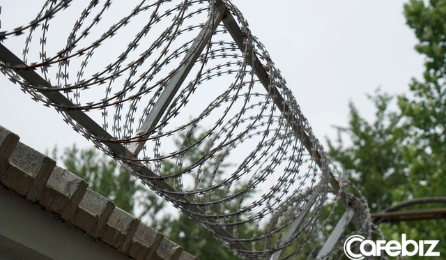 1 ngày trong nhà tù cai nghiện internet ở Trung Quốc: Tường rào bọc thép, kỉ luật sắt như quân đội, kẻ nổi loạn sẽ bị trói, chi phí tốn kém không ít - Ảnh 3.