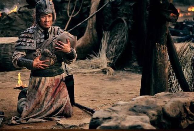 Tam quốc diễn nghĩa: Mổ xẻ mới thấy toan tính của Lưu Bị khi ném con trước mặt Triệu Vân - Ảnh 5.