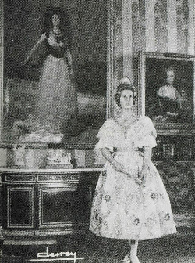 Câu chuyện về người bạn thân tai tiếng của Nữ hoàng Anh Elizabeth: Giàu sang quyền quý bậc nhất, cuối đời phải mua lấy hạnh phúc cho mình - Ảnh 3.