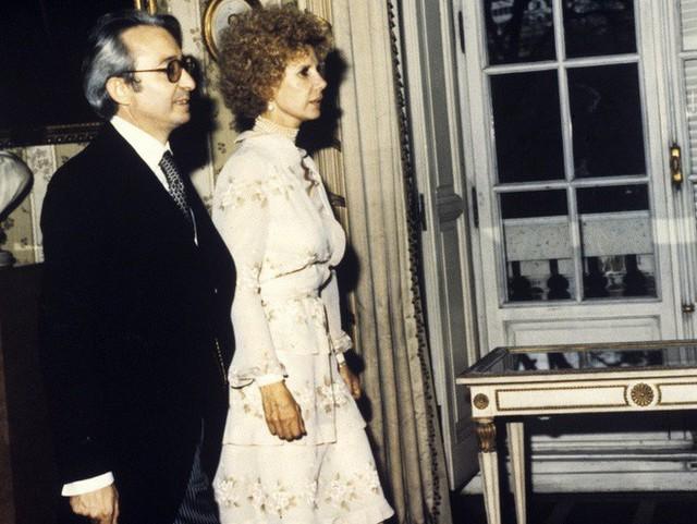 Câu chuyện về người bạn thân tai tiếng của Nữ hoàng Anh Elizabeth: Giàu sang quyền quý bậc nhất, cuối đời phải mua lấy hạnh phúc cho mình - Ảnh 7.