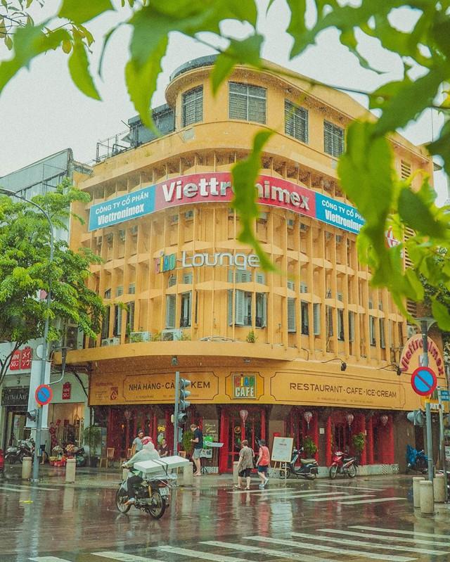 Nhìn lại những hình ảnh thân quen của Ciao Cafe Nguyễn Huệ trước khi biểu tượng này chính thức biến mất khỏi Sài Gòn - Ảnh 1.