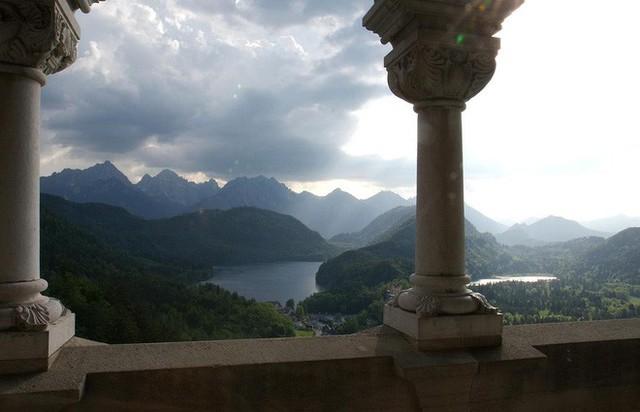 Vua điên xứ Bavaria: Cả đời đắm chìm trong cổ tích ảo mộng, đến cái chết cũng đầy bí ẩn tại tòa lâu đài đẹp nhất châu Âu - Ảnh 14.