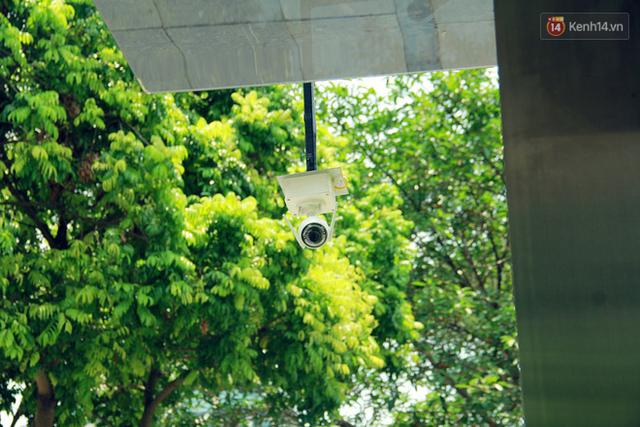 Người dân thích thú với cây lọc nước thông minh, có trang bị camera an ninh lần đầu tiên xuất hiện tại Hà Nội - Ảnh 16.