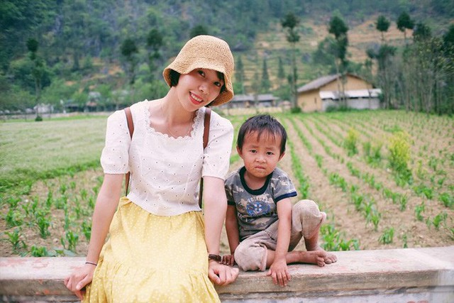 """Cuộc trò chuyện lúc nửa đêm với cô gái đi Hà Giang để """"gom về một vườn trẻ"""": Chỉ mong các em mãi giữ được sự thuần khiết như hoa như sương vùng đất này - Ảnh 2."""