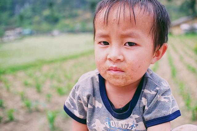 """Cuộc trò chuyện lúc nửa đêm với cô gái đi Hà Giang để """"gom về một vườn trẻ"""": Chỉ mong các em mãi giữ được sự thuần khiết như hoa như sương vùng đất này - Ảnh 14."""