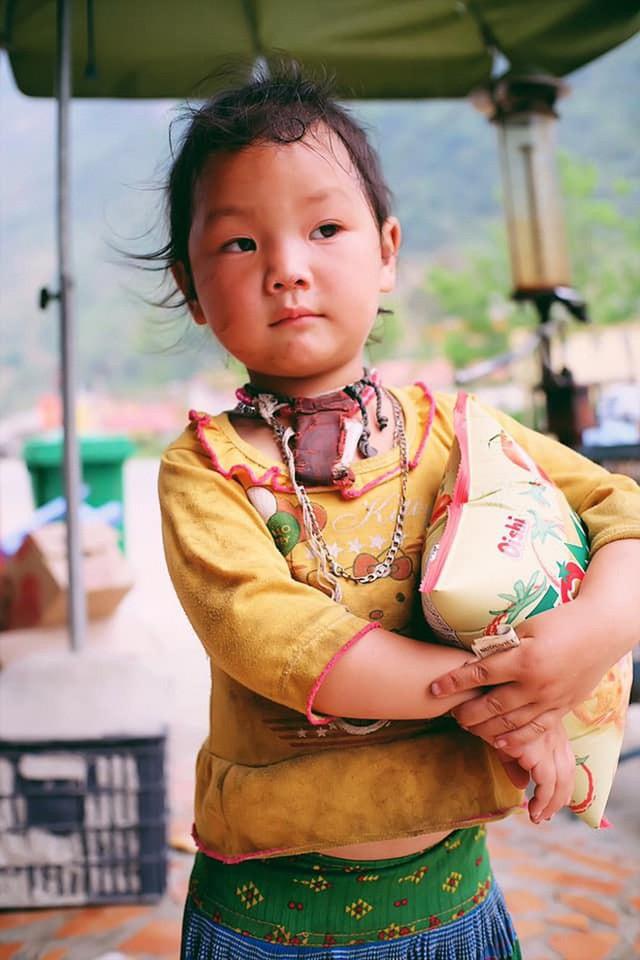 """Cuộc trò chuyện lúc nửa đêm với cô gái đi Hà Giang để """"gom về một vườn trẻ"""": Chỉ mong các em mãi giữ được sự thuần khiết như hoa như sương vùng đất này - Ảnh 15."""
