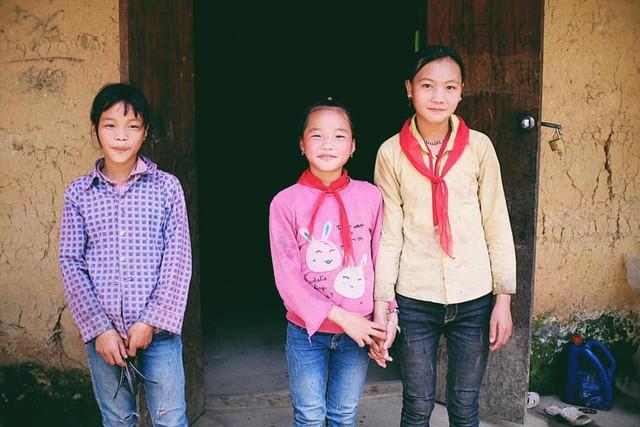 """Cuộc trò chuyện lúc nửa đêm với cô gái đi Hà Giang để """"gom về một vườn trẻ"""": Chỉ mong các em mãi giữ được sự thuần khiết như hoa như sương vùng đất này - Ảnh 17."""