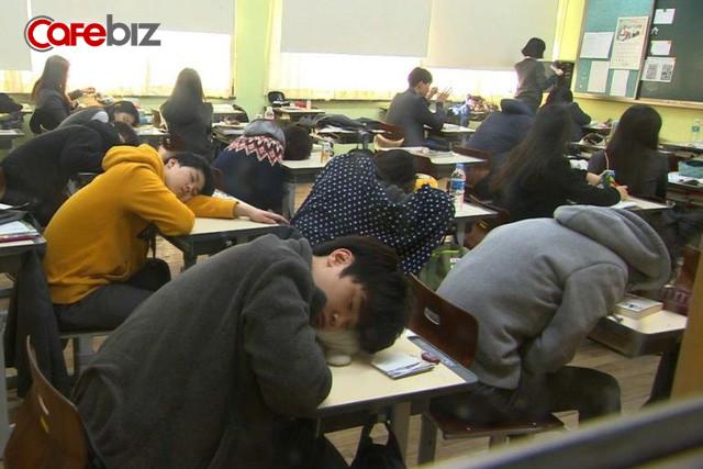 Mặt trái của vị trí số 1 thế giới của nền giáo dục Hàn Quốc: Tỷ lệ học sinh tự tử cao nhất toàn cầu  - Ảnh 3.