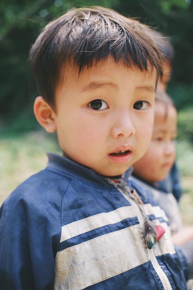 """Cuộc trò chuyện lúc nửa đêm với cô gái đi Hà Giang để """"gom về một vườn trẻ"""": Chỉ mong các em mãi giữ được sự thuần khiết như hoa như sương vùng đất này - Ảnh 28."""