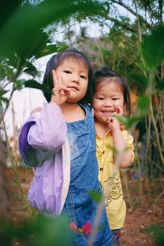 """Cuộc trò chuyện lúc nửa đêm với cô gái đi Hà Giang để """"gom về một vườn trẻ"""": Chỉ mong các em mãi giữ được sự thuần khiết như hoa như sương vùng đất này - Ảnh 29."""
