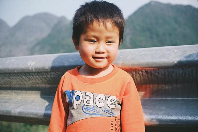 """Cuộc trò chuyện lúc nửa đêm với cô gái đi Hà Giang để """"gom về một vườn trẻ"""": Chỉ mong các em mãi giữ được sự thuần khiết như hoa như sương vùng đất này - Ảnh 31."""