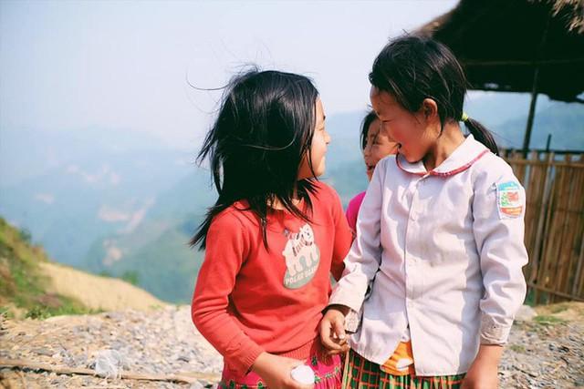 """Cuộc trò chuyện lúc nửa đêm với cô gái đi Hà Giang để """"gom về một vườn trẻ"""": Chỉ mong các em mãi giữ được sự thuần khiết như hoa như sương vùng đất này - Ảnh 32."""