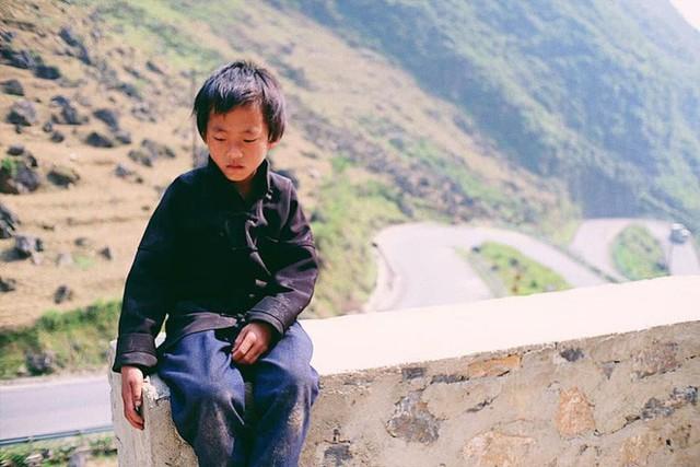 """Cuộc trò chuyện lúc nửa đêm với cô gái đi Hà Giang để """"gom về một vườn trẻ"""": Chỉ mong các em mãi giữ được sự thuần khiết như hoa như sương vùng đất này - Ảnh 33."""