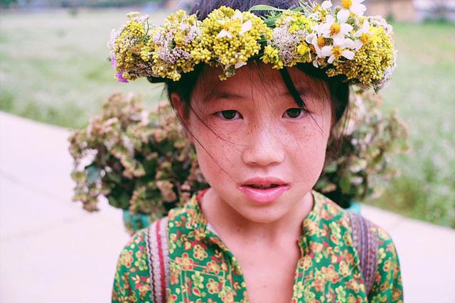 """Cuộc trò chuyện lúc nửa đêm với cô gái đi Hà Giang để """"gom về một vườn trẻ"""": Chỉ mong các em mãi giữ được sự thuần khiết như hoa như sương vùng đất này - Ảnh 41."""