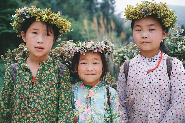 """Cuộc trò chuyện lúc nửa đêm với cô gái đi Hà Giang để """"gom về một vườn trẻ"""": Chỉ mong các em mãi giữ được sự thuần khiết như hoa như sương vùng đất này - Ảnh 42."""