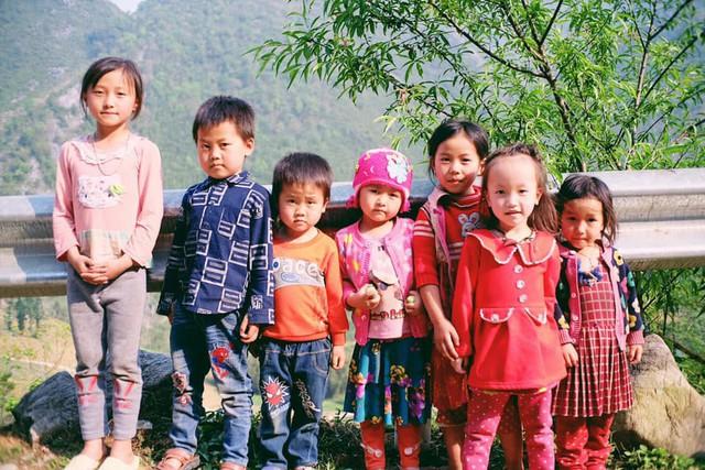 """Cuộc trò chuyện lúc nửa đêm với cô gái đi Hà Giang để """"gom về một vườn trẻ"""": Chỉ mong các em mãi giữ được sự thuần khiết như hoa như sương vùng đất này - Ảnh 43."""