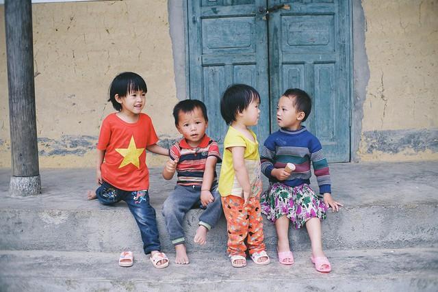 """Cuộc trò chuyện lúc nửa đêm với cô gái đi Hà Giang để """"gom về một vườn trẻ"""": Chỉ mong các em mãi giữ được sự thuần khiết như hoa như sương vùng đất này - Ảnh 9."""