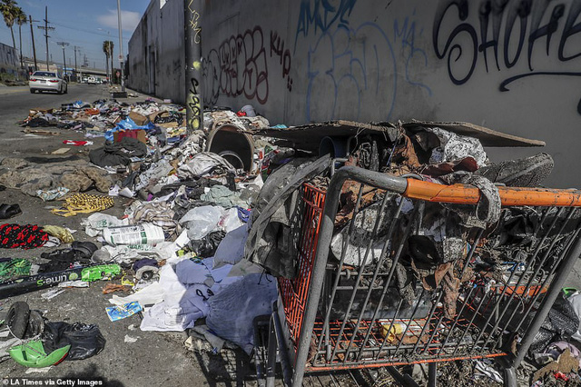 Chùm ảnh: Toàn cảnh thành phố Los Angeles hiện đại văn minh đã bị mất quyền kiểm soát vào tay... rác thải và chuột - Ảnh 1.
