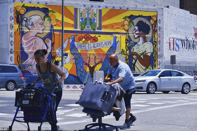 Chùm ảnh: Toàn cảnh thành phố Los Angeles hiện đại văn minh đã bị mất quyền kiểm soát vào tay... rác thải và chuột - Ảnh 12.