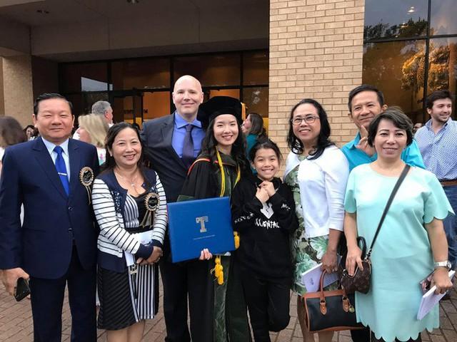 Lần đầu tiên có nữ du học sinh Việt tốt nghiệp thủ khoa ngành Dược một trường Đại học lớn tại Mỹ - Ảnh 5.