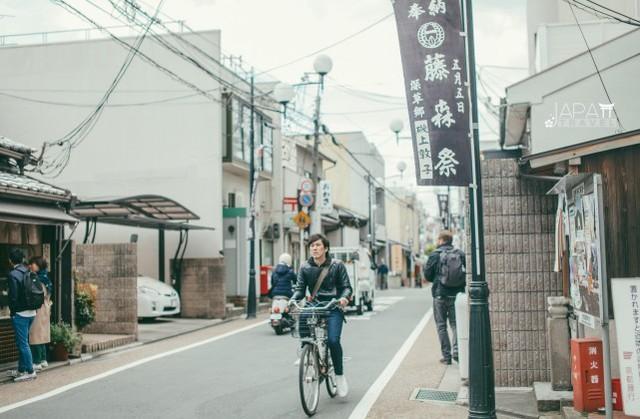 Nhật Bản có rất ít thùng rác công cộng, nhưng đường phố vẫn sạch bong vì lý do này - Ảnh 4.
