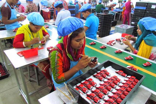 """Không phải """"Made in China"""", bây giờ là kỷ nguyên của Made in Bangladesh - Ảnh 2."""