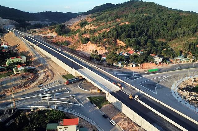 """8.350 tỉ đồng """"rót"""" vào hạ tầng khu kinh tế Vân Đồn - Quảng Ninh - Ảnh 1."""