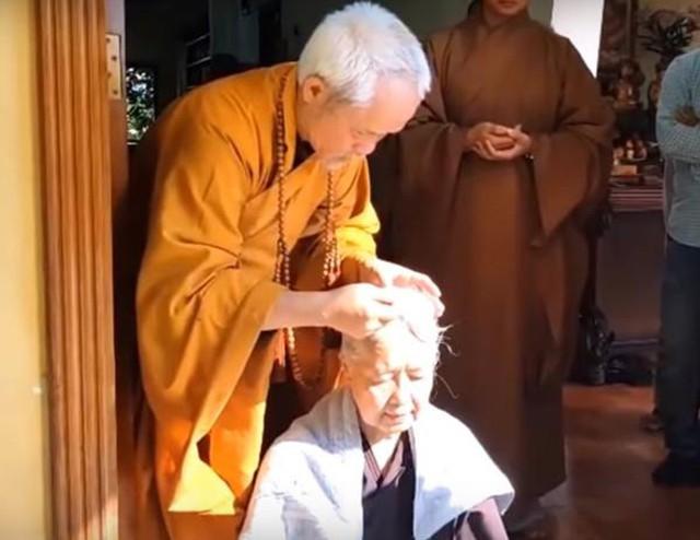 Chuyện đời thăng trầm của chuyên gia ẩm thực Cẩm Vân vừa xuống tóc đi tu - Ảnh 1.
