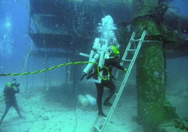 NASA huấn luyện các phi hành gia tham gia sứ mệnh Mặt Trăng trong phòng thí nghiệm dưới biển ở độ sâu 19 mét - Ảnh 6.