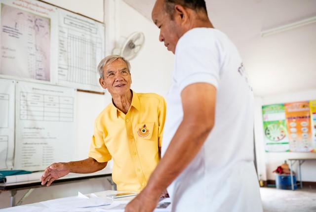 Câu chuyện về ông lão cứu cả cộng đồng khỏi thảm họa thiên thiên nhiên 100 năm mới có 1 lần: 78 tuổi vẫn không ngừng làm đẹp cho đời - Ảnh 6.