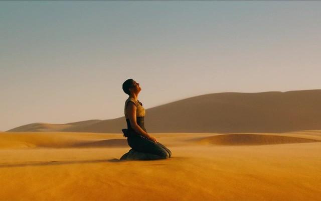 Cùng lạc trong sa mạc, 2 người lữ hành kẻ sống - người chết và lý do ai cũng nên biết - Ảnh 2.