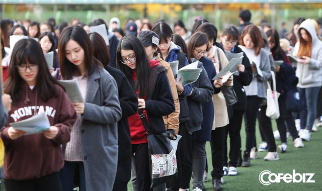 Từ bộ phim Ký sinh trùng đến đời thực ở Hàn Quốc: Văn hóa Học hoặc chết trong xã hội trọng bằng cấp (P.4) - Ảnh 2.