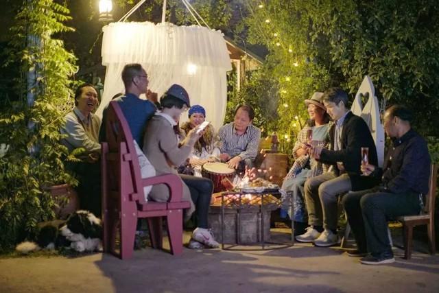 Tình bạn trong mơ: 14 người già cô đơn tự thuê hai căn biệt thự ngoại ô cùng nhau sống trọn vẹn những năm tháng cuối đời - Ảnh 5.