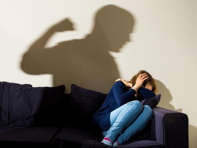 Số phận những cô dâu ngoại quốc trên đất Hàn: Dễ bị bạo hành, không được bảo vệ và phải cắn răng chịu đựng sự gia trưởng của chồng - Ảnh 4.