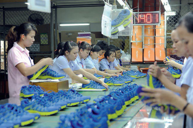Forbes: Chuyển dịch sản xuất từ Trung Quốc sang Việt Nam còn nhiều rào cản, nguy cơ gian lận nhãn hiệu xuất xứ cao - Ảnh 1.