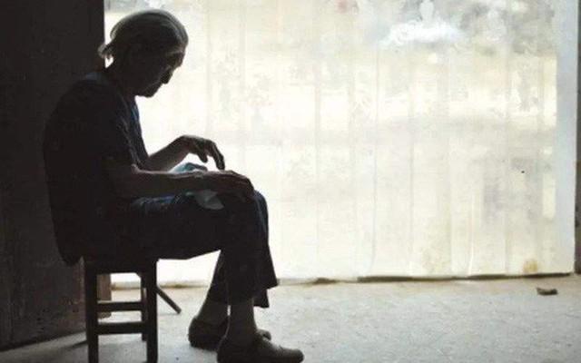 Lá thư tuyệt mệnh chua xót của mẹ già 80 tuổi: