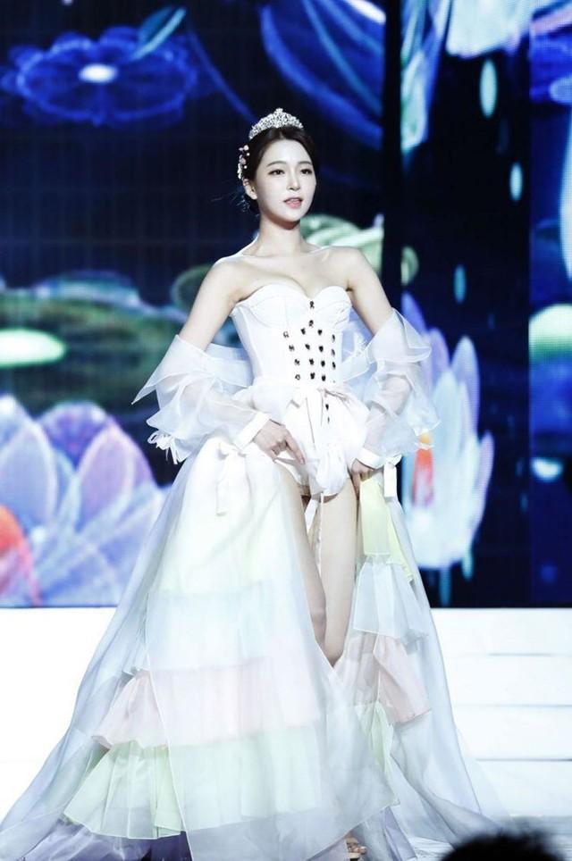Bóc trần mặt tối cuộc thi Hoa hậu Hàn Quốc: Trao 8 vương miện, đầy quy tắc ngầm, loạt Hoa-Á hậu dính bê bối tình dục - Ảnh 4.