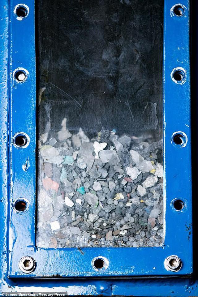 Đột phá siêu to khổng lồ cho Trái đất: Tất cả rác nhựa không thể tái chế được lần đầu tiên được chuyển hết thành điện siêu sạch - Ảnh 6.