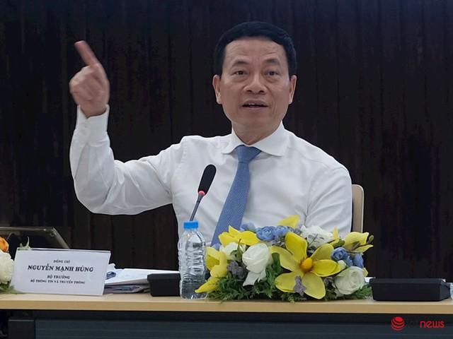 Bộ trưởng Nguyễn Mạnh Hùng: Việt Nam cần xây dựng mạng xã hội mới, công cụ tìm kiếm mới - Ảnh 1.