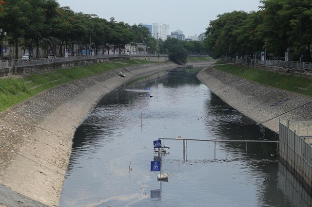 Công ty Thoát nước Hà Nội trần tình việc xả nước hồ Tây cuốn trôi kết quả của chuyên gia Nhật ở sông Tô Lịch - Ảnh 1.