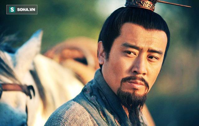 Sự thật phía sau việc nhận con nuôi của Lưu Bị ở Kinh Châu: Chỉ là nước cờ đầy toan tính? - Ảnh 5.