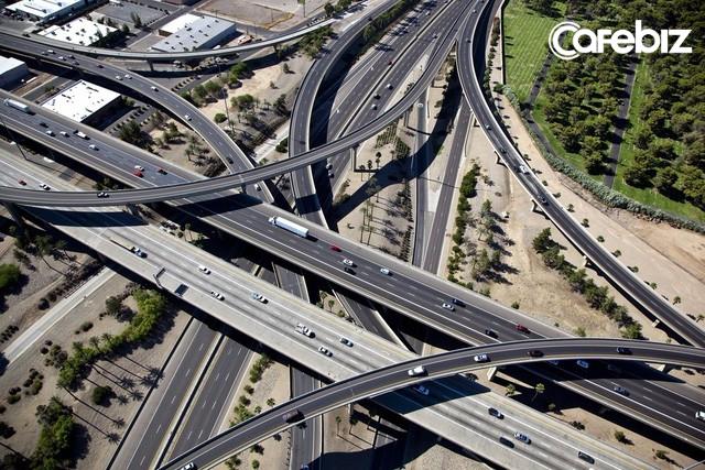 Xây dựng cơ sở hạ tầng: Cơn ác mộng ngay cả với nền kinh tế số 1 thế giới - Ảnh 1.