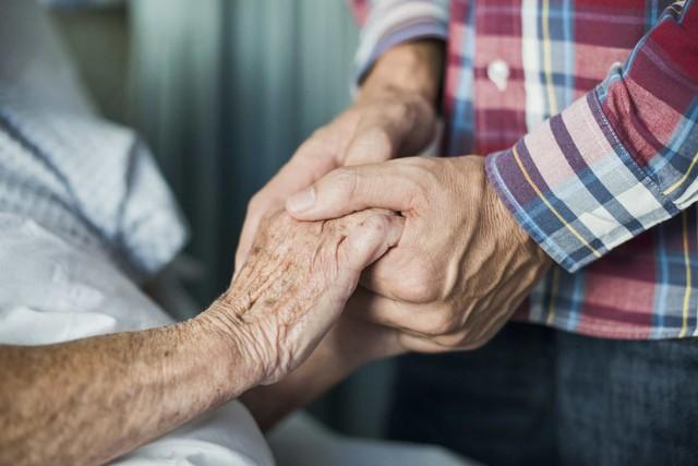 Tranh cãi chuyện chết nhân đạo ở người: Nỗi éo le của cả bác sĩ có tâm lẫn bệnh nhân khao khát được chấm dứt sự thống khổ vì bệnh tật - Ảnh 2.