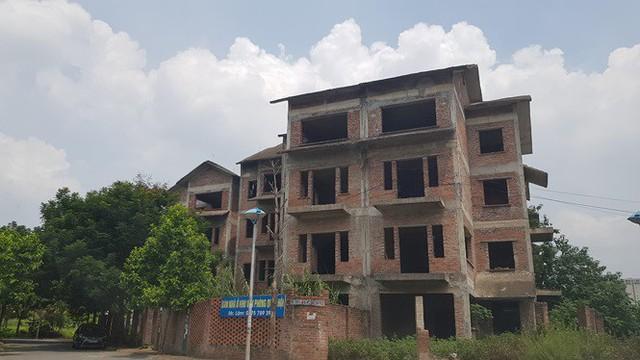 Cháy nổ các khu biệt thự tiền tỷ bỏ hoang: Hiểm họa được báo trước - Ảnh 2.