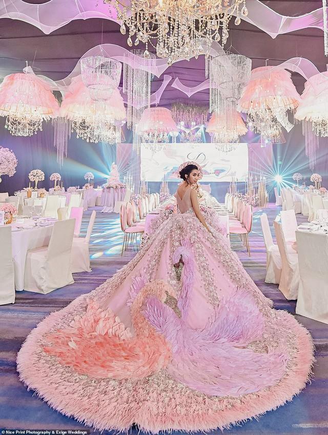 Tiệc sinh nhật xa xỉ gần 700 triệu của ái nữ nhà giàu, khách mời còn được tặng túi Louis Vuitton mang về - Ảnh 1.