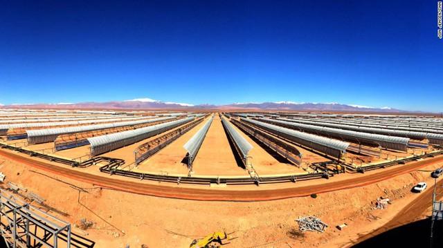 [Ảnh] Toàn cảnh 'cánh đồng' điện mặt trời tập trung lớn nhất thế giới - Ảnh 5.