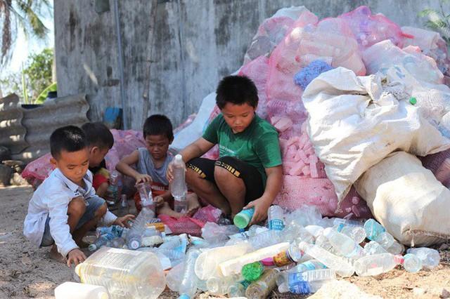 Ngôi nhà làm từ 6000 chai nhựa trên đảo Bé Lý Sơn ấn tượng mạnh với du khách - Ảnh 7.