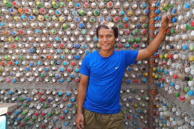 Ngôi nhà làm từ 6000 chai nhựa trên đảo Bé Lý Sơn ấn tượng mạnh với du khách - Ảnh 8.