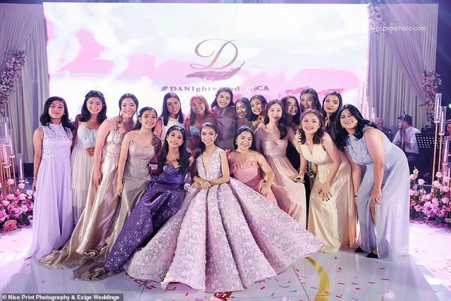 Tiệc sinh nhật xa xỉ gần 700 triệu của ái nữ nhà giàu, khách mời còn được tặng túi Louis Vuitton mang về - Ảnh 10.