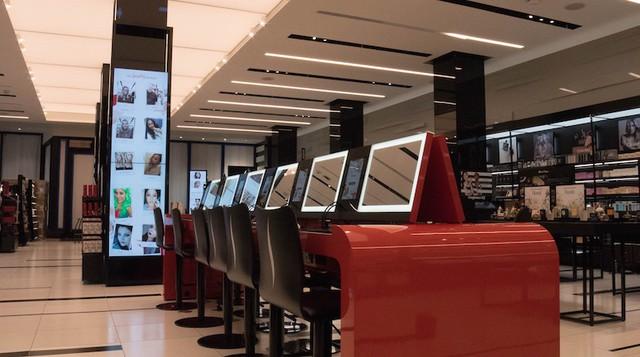 Bí kíp sống khỏe của nhà bán lẻ mỹ phẩm Sephora trước cơn càn quét mang tên Amazon - Ảnh 3.
